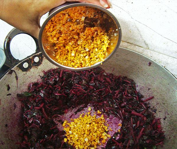 Kerala-style-Cheera-Thoran-10