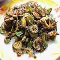 kerala-style-karela-fry-pavakka-mezhukkupuratti-featured-image