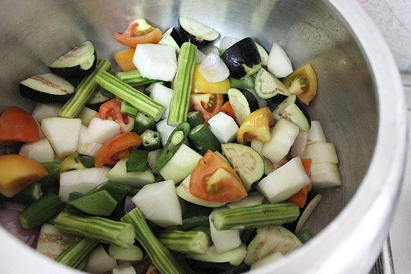 kerala-style-vegetable-sambar-4