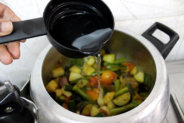 kerala-style-vegetable-sambar-6
